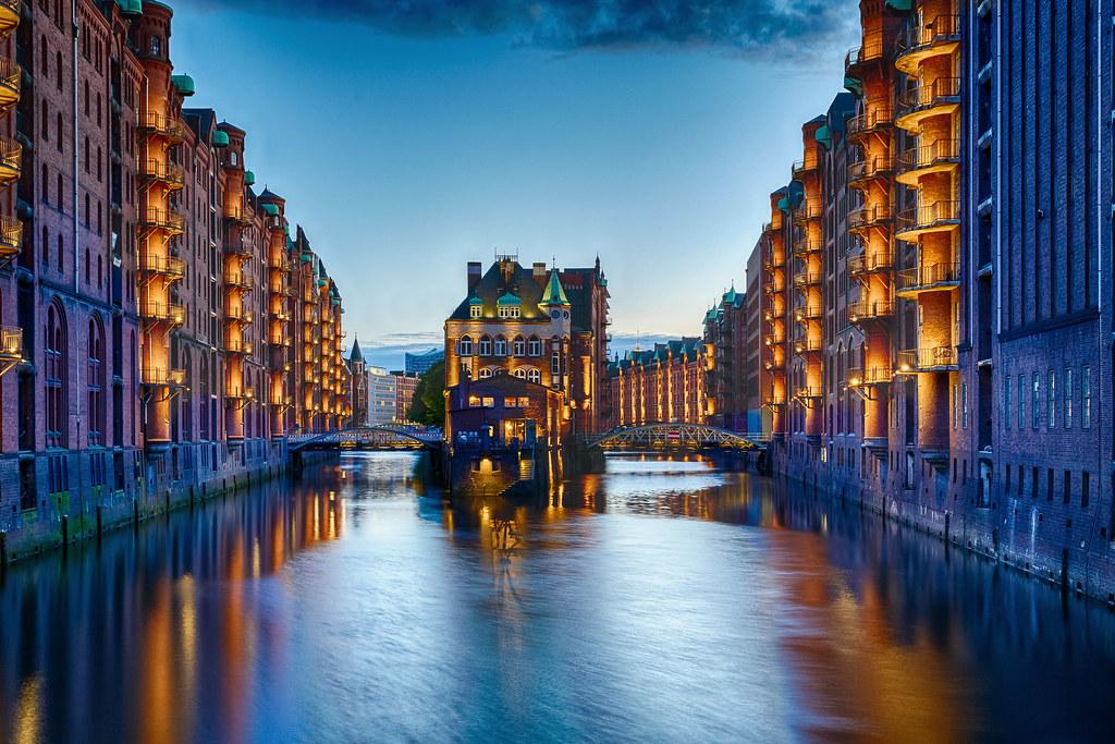 Wasserschloss in der Speicherstadt - Hamburg, Germany