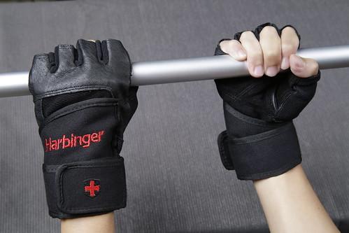運動健身重訓手套推薦_台中漢思運動_Harbinger 專業束腕重訓健身手套 (10)