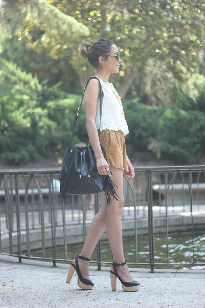 Suede Shorts White Top Summer Outfit06