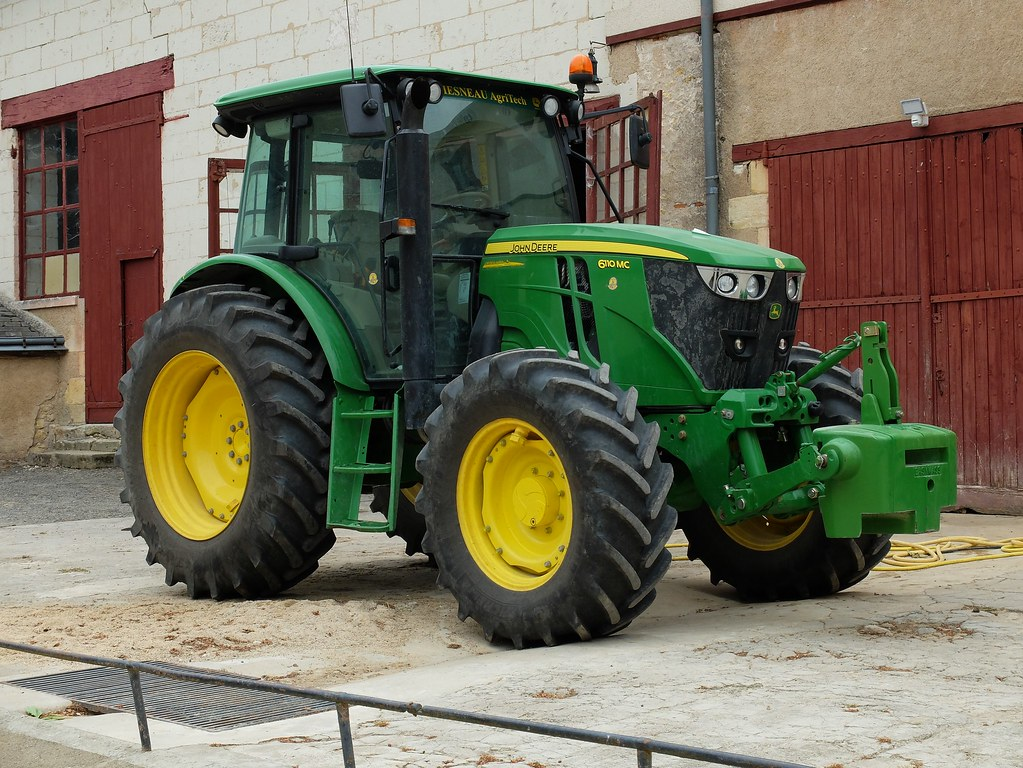 tracteur john deere 6110 mc ferme du ch teau de montpoupon flickr. Black Bedroom Furniture Sets. Home Design Ideas