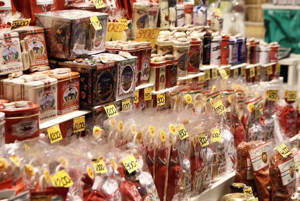 Paprika en vente dans les grandes halles de Budapest.
