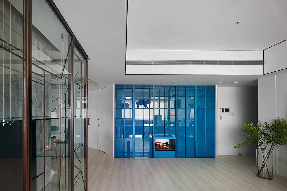 A colorful apartment by Waterfrom Design Sundeno_10
