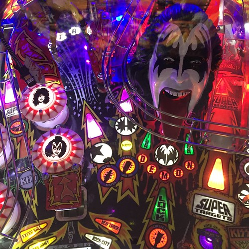 The KISS pinball machine, House of Targ