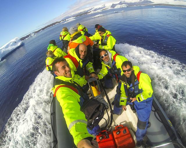 Descubriendo como es el hielo de Jökulsárlón