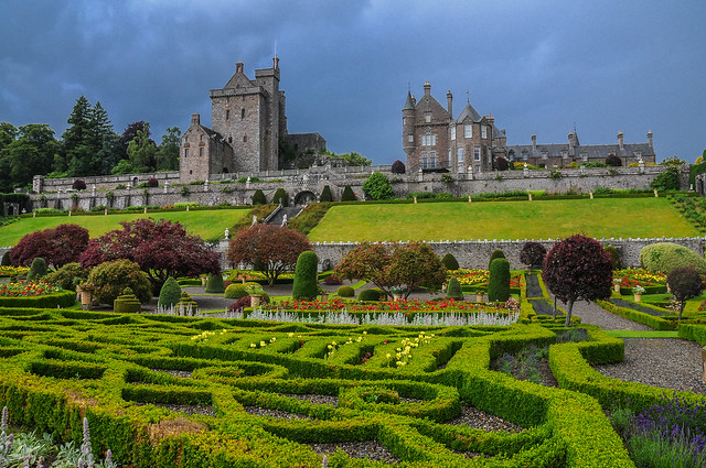Drummond Castle 1