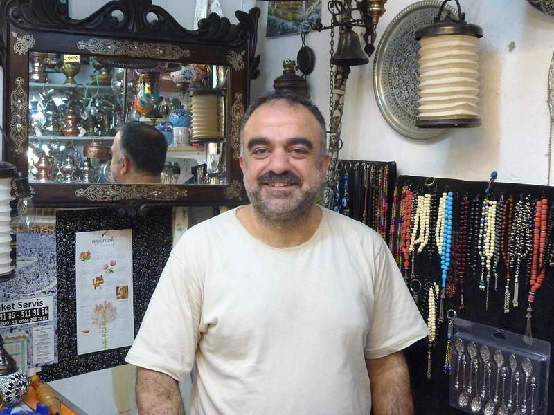 Turquie - jour 23 - Balades poétiques et visages stambouliotes - 151 - Sadık au Grand Bazar