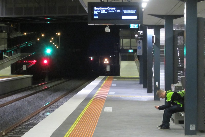 Wyndham Vale station, evening counter-peak