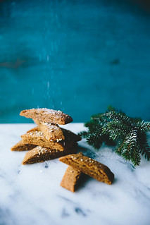 Chewy Ginger & Caramel Cookies | gluten free |Cashew Kitchen | by cashewkitchen
