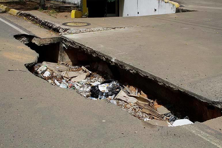 """Puerto Ordaz cada vez más en ruinas: """"ZANJON"""" de la Torre Loreto promesa sin cumplir"""