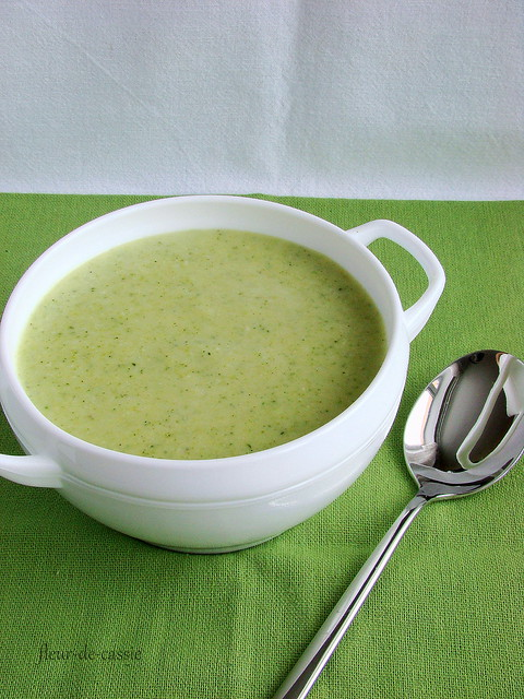 суп с брокколи и бри