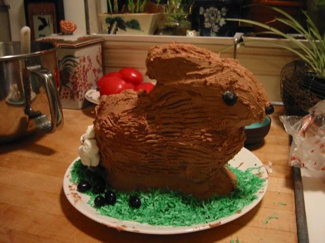 Amaretto Pound Cake With Vanilla Glaze