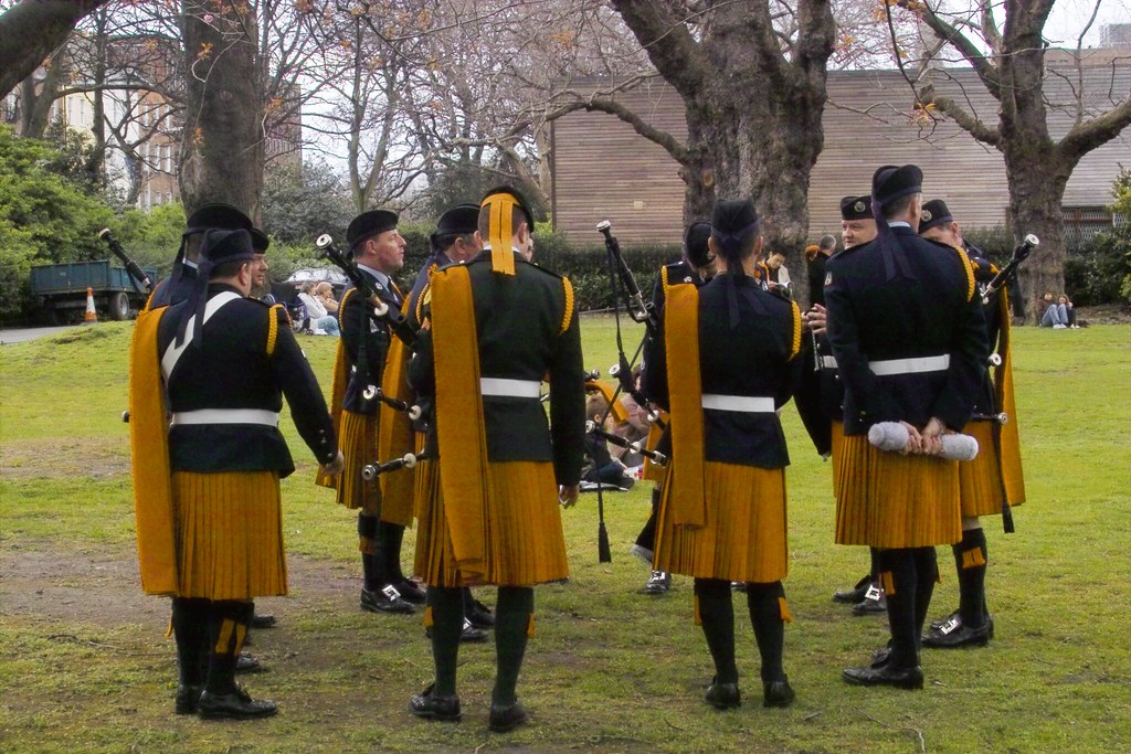 Members Of Irish Army Pipe Band Actually The Air Corps