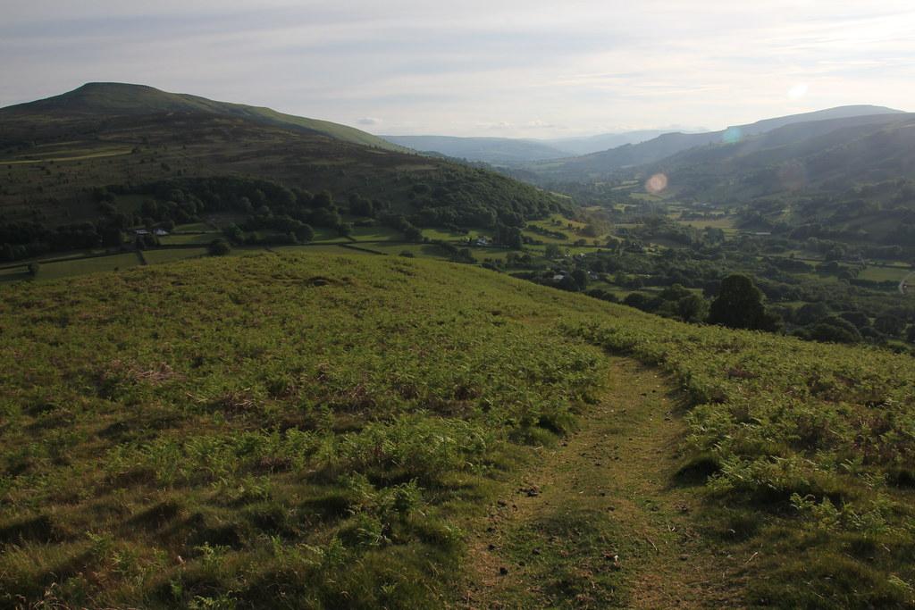 ysgyryd fawr, brecon beacons, black mountains, skirrid fawr, bryn arw, hatterrall hill