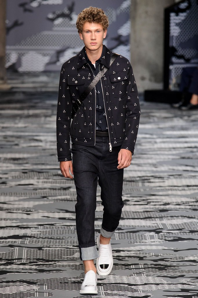 SS16 Milan Neil Barrett030_Hugo Villanova(fashionising.com)