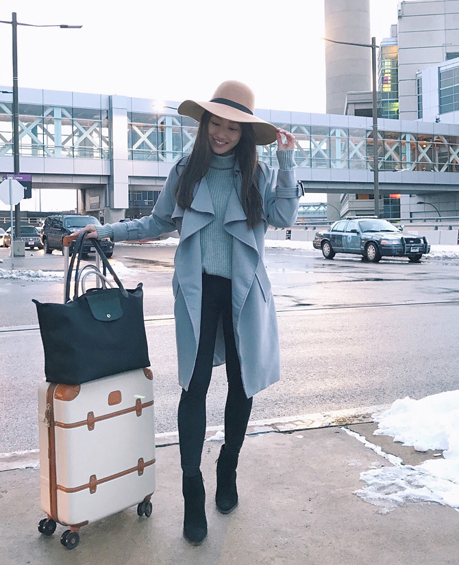 boston airport comfortable travel outfit ideas
