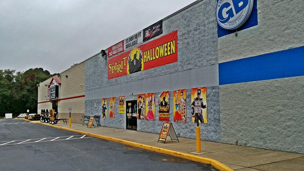 Spirit Halloween | Pop-up Halloween store