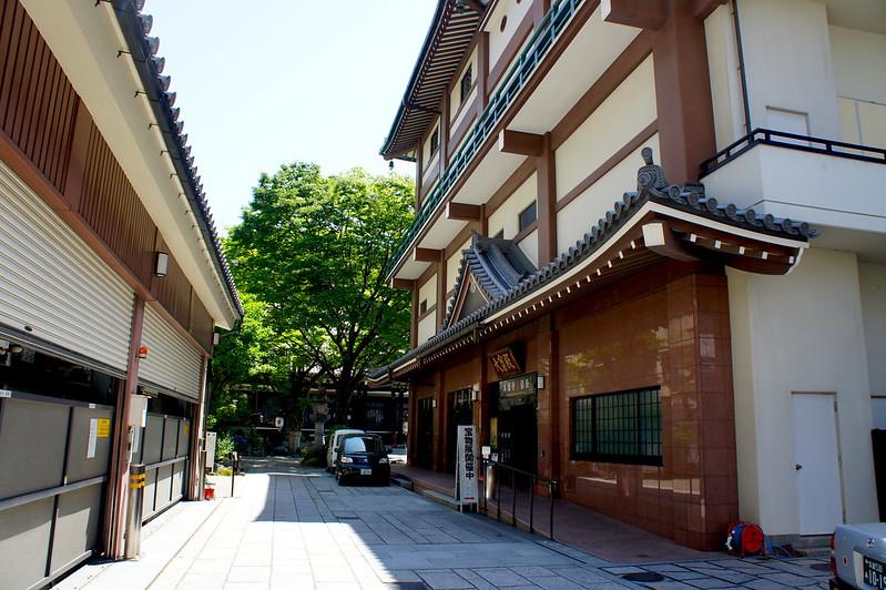 立体駐車場と大寶殿/本能寺(Honno-ji Temple / Kyoto City) 2015/05/11
