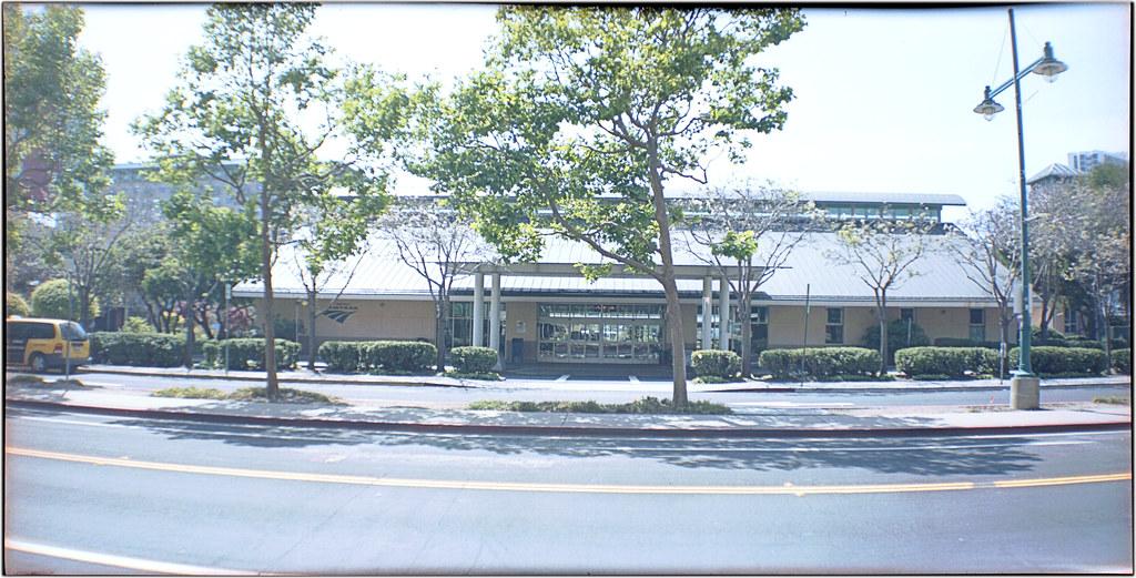 Emeryville Amtrak Station 4-15 1
