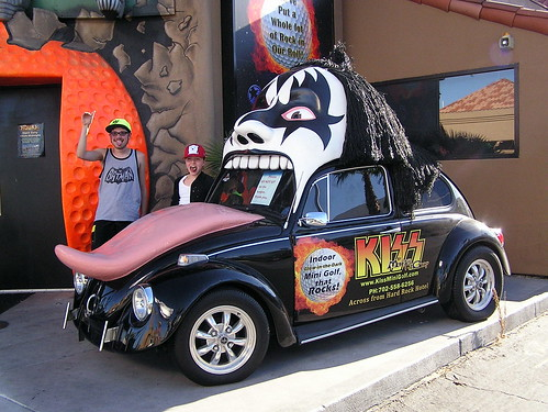 Gene Simmons Volkswagen Beetle | Me and my cousin Alexa by t… | Flickr