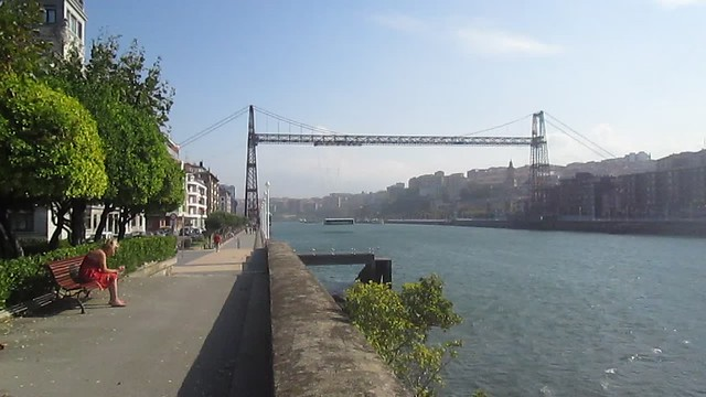 Vizcaya Bridge, Getxo in Operation