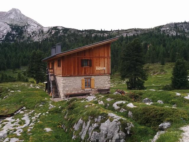 Kurz vor der Lavarella Hütte
