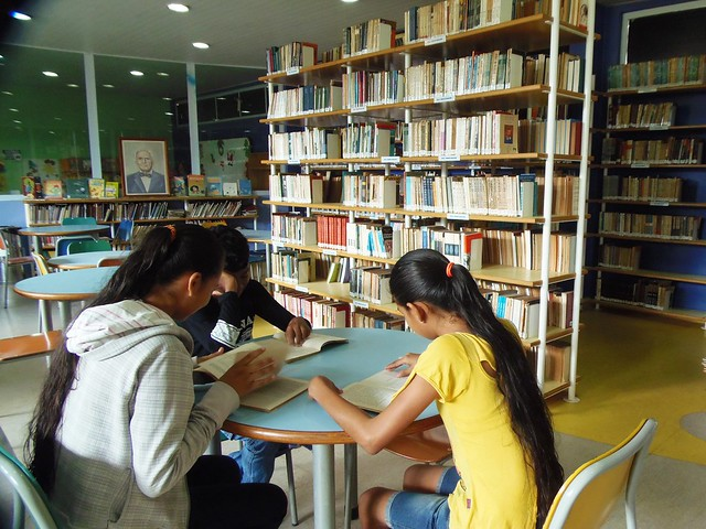 Os 9 livros mais antigos da Biblioteca Paulo Rodrigues dos Santos, Biblioteca pública Paulo Rodrigues dos Santos, em Santarém