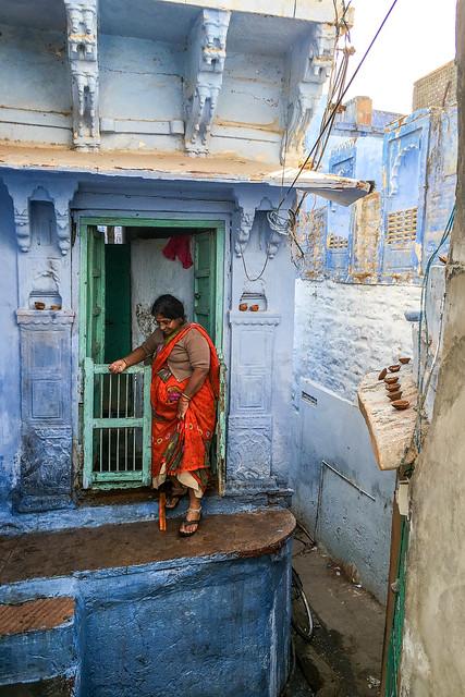 Blue painted houses in old city, Jodhpur, India ジョードプル 青い壁の民家
