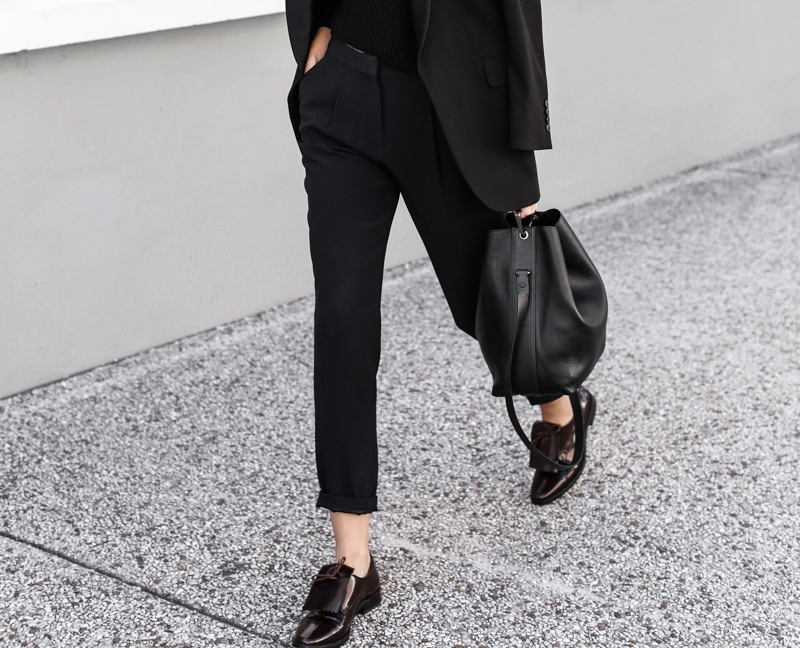 modern legacy, fashion blog, street style, SABA, man stye, all black, bucket bag, burgundy, fringe loafers (1 of 1)