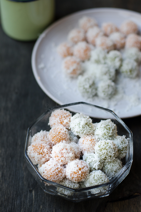 Green and Gold Onde-Onde recipe