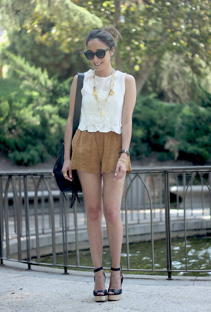 Suede Shorts White Top Summer Outfit03