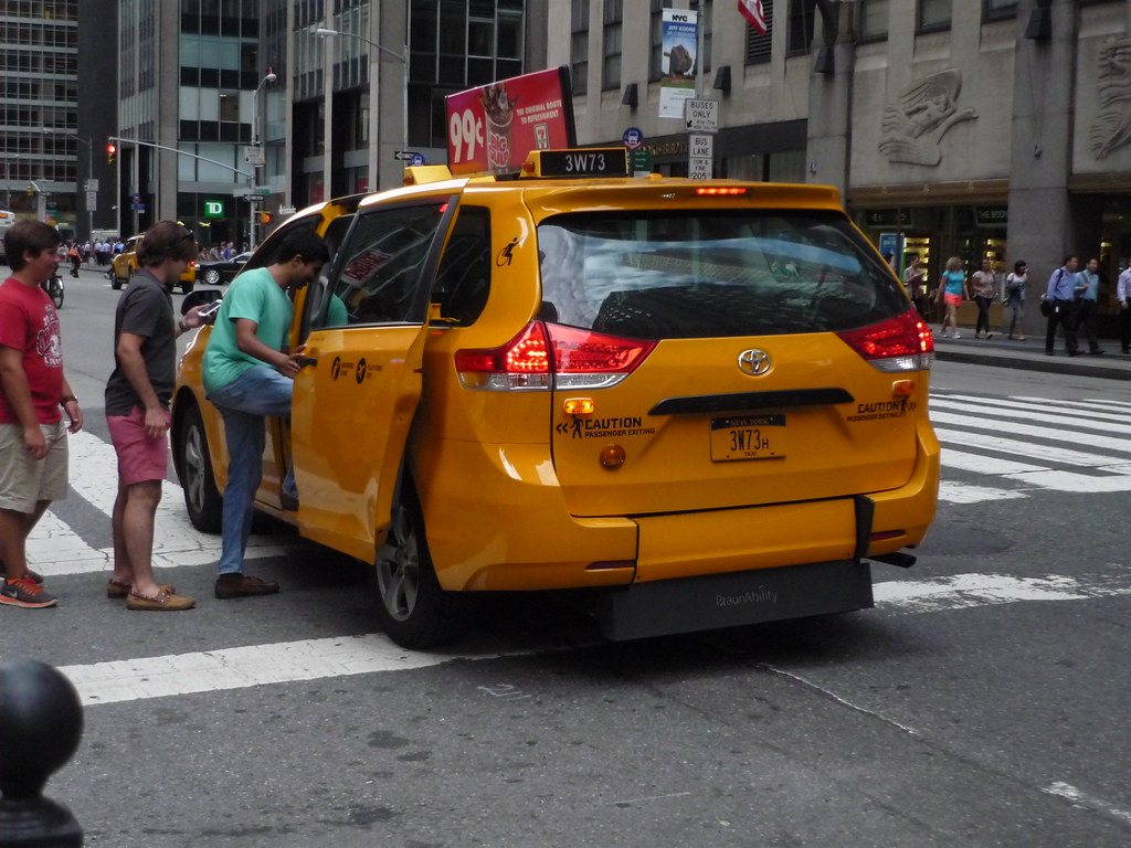 Nyc Taxi Toyota Sienna Siennas In Nyc Taxi Service Are