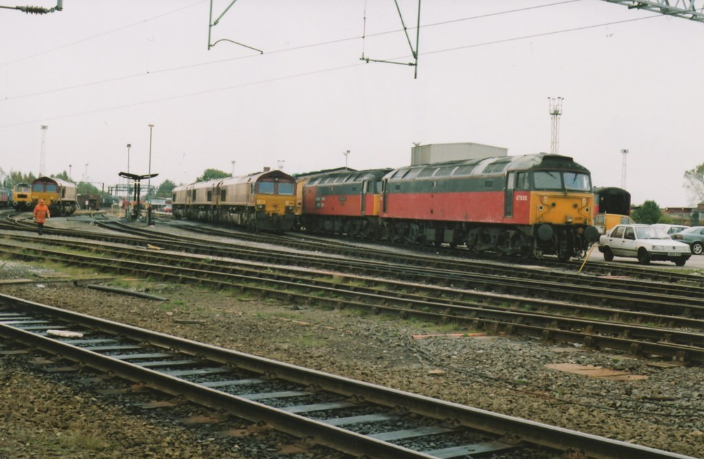 """... Brush Type 4's 47635 & 47734 """"Crewe Diesel Depot Quality Approved"""" &  Class 66"""