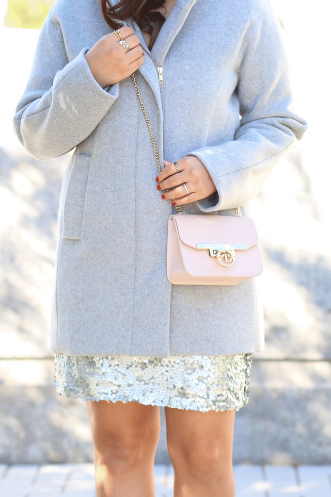 simplyxclassic, new years eve outfit, sequin skirt, the classic sequin skirt, jcrew coat, silver skirt, mommy blogger, fashion blogger