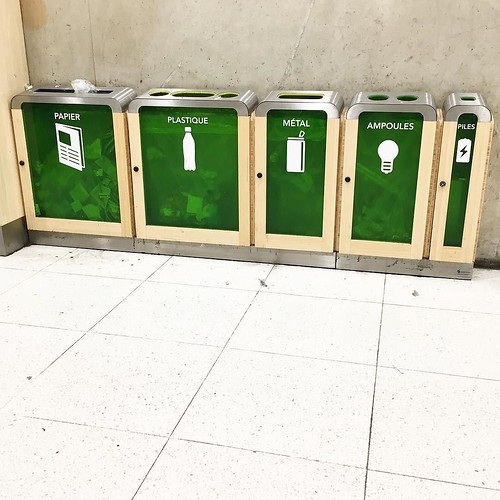 Take your bulbs and batteries for recycling... in the RER! #garedunord #paris #rer #recycling | by jonworth-eu