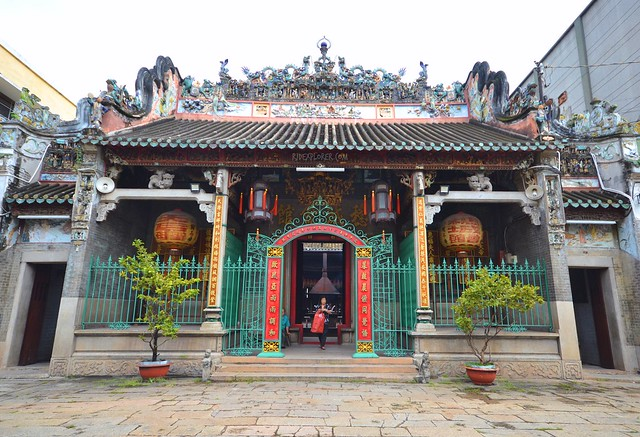 diy saigon city tour THIEN HAU TEMPLE