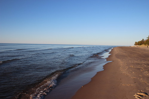 IMG_4515_Beach_&_Lake_Superior