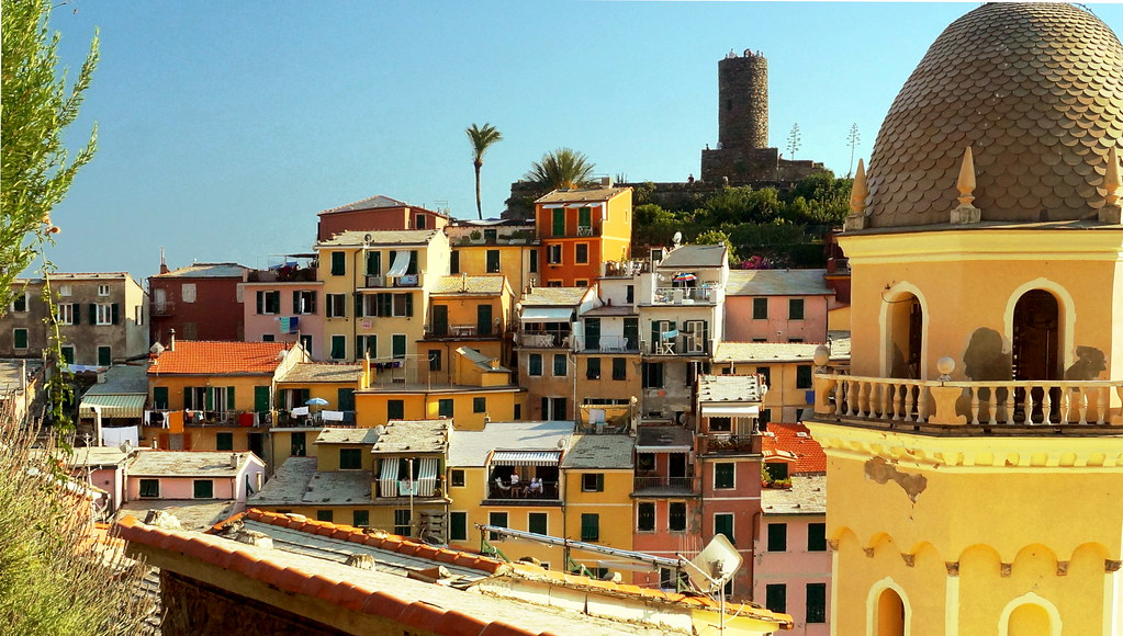 Colorful buildings of Vernazza