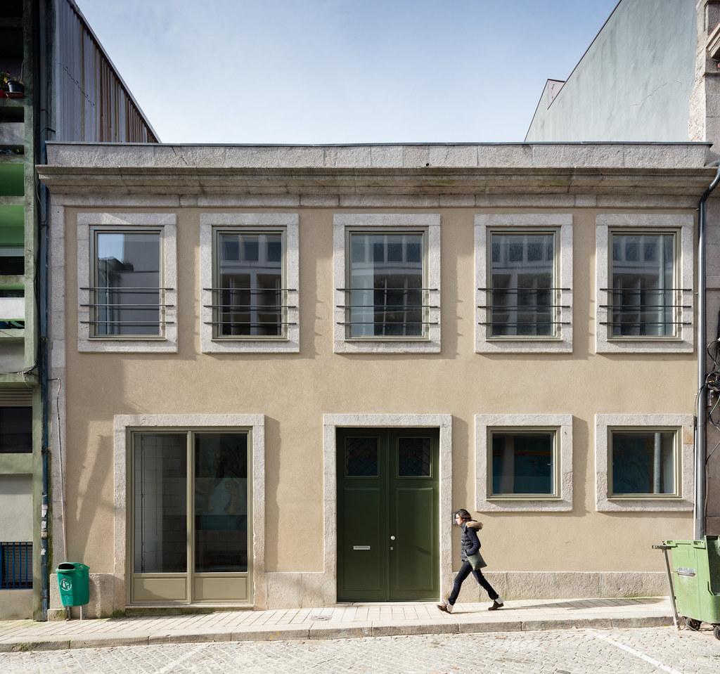 Duplex flat design in Porto by Portuguese architectural studio PF Arch Sundeno_16
