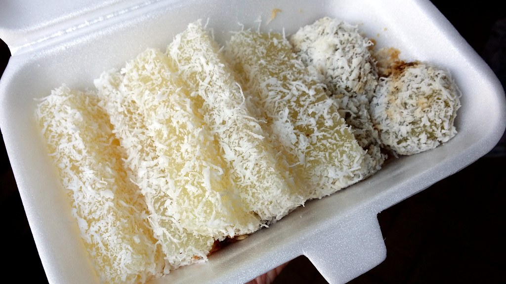 Hawker Centre in Singapore: Maxwell Food Centre Tapioca Cake