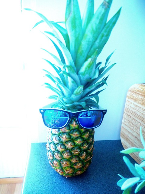 ananas15, pineapple, sunglasses, aurinkolasit, ananas ja aurinkolasit, pineapple and sunglasses, sunnies, kesä, summer, hedelmä, fruit, funny, hauska, loma, holiday, pic,