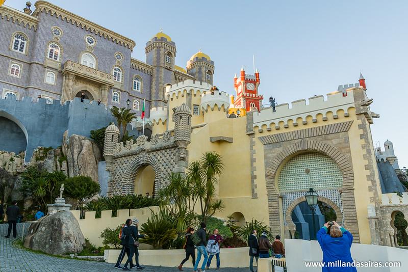 Vista de las puertas de acceso al Palacio da Pena