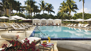 Ritz Carlton Coconut Grove Pool | by Luxuori Collection