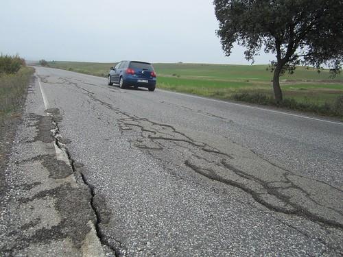 AionSur 31725553143_212766f683_d Carmona pide el arreglo de las carreteras de su término Carmona Provincia