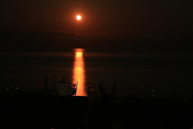 Luna rossa a Stromboli