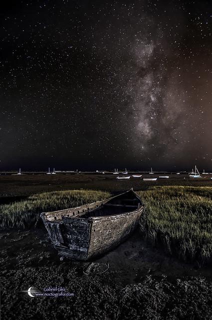 Barca y Vía Láctea