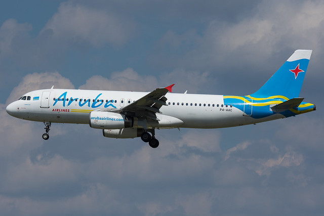 P4-AAC - Aruba Airlines - Airbus A320