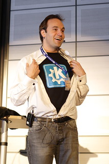 Linuxtag 2006 / Mark Shuttleworth 2 | by Stopped.
