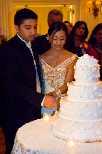 Cutting Wedding Cake Video Nigeria