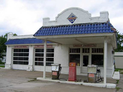 Old Skelly Gas Station Macon Mo This Has Been Closed