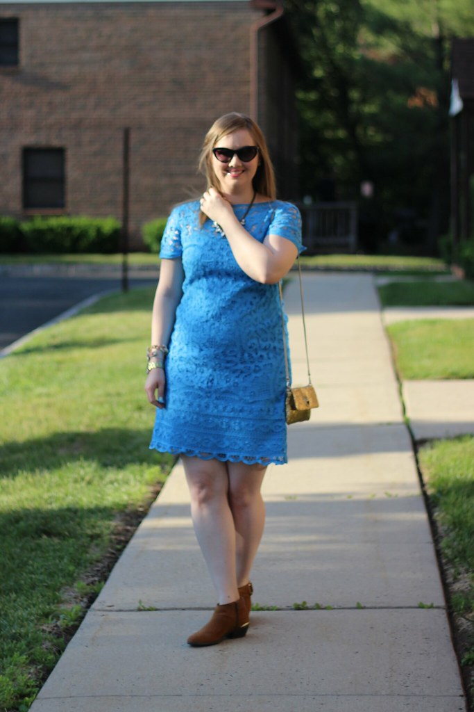 Lilly Blue Lace Dress (5)